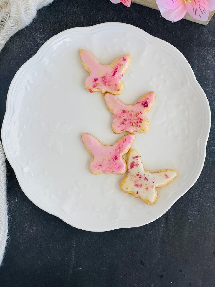 https://smithasbakelove.com/2021/05/12/coconut-lemon-zest-cookies/